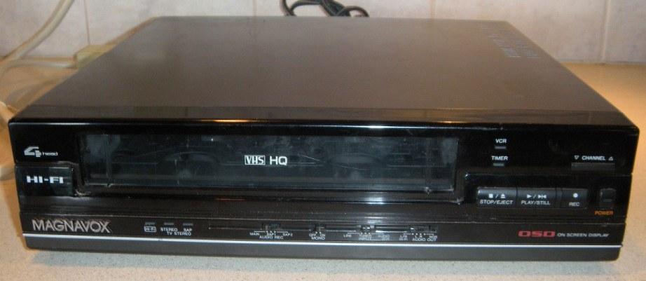 Magnavox VHS VCR Model VR1260AT01
