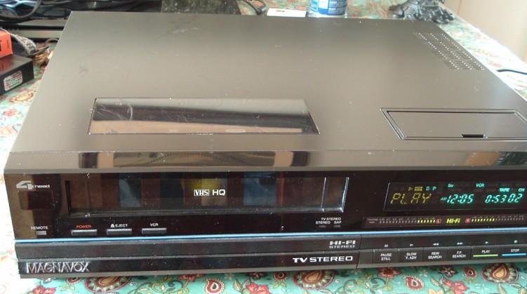 Magnavox VHS VCR Model VR9560AT01