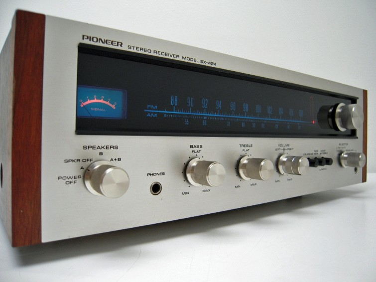 Be A Fec D Ebe A E Fb Philips Vintage Beauty further Im further Maxresdefault as well Maxresdefault moreover Pioneer Sa A X. on vintage pioneer stereo receiver