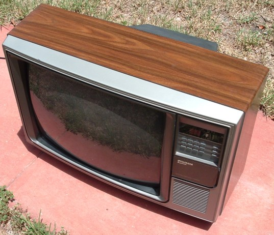 Sylvania Television Set Chassis Model Number 19c527